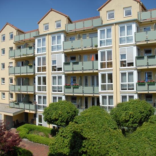 Unser betreutes Wohnen am Rosengarten ermöglicht Ihnen weiterhin ein selbstbestimmtes Leben, im eigenen Haushalt.